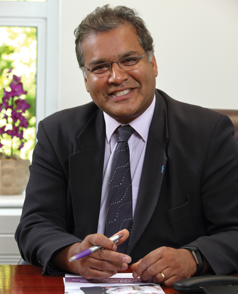 Professor Raj Persad - Consultant Urlogical Surgeon 2
