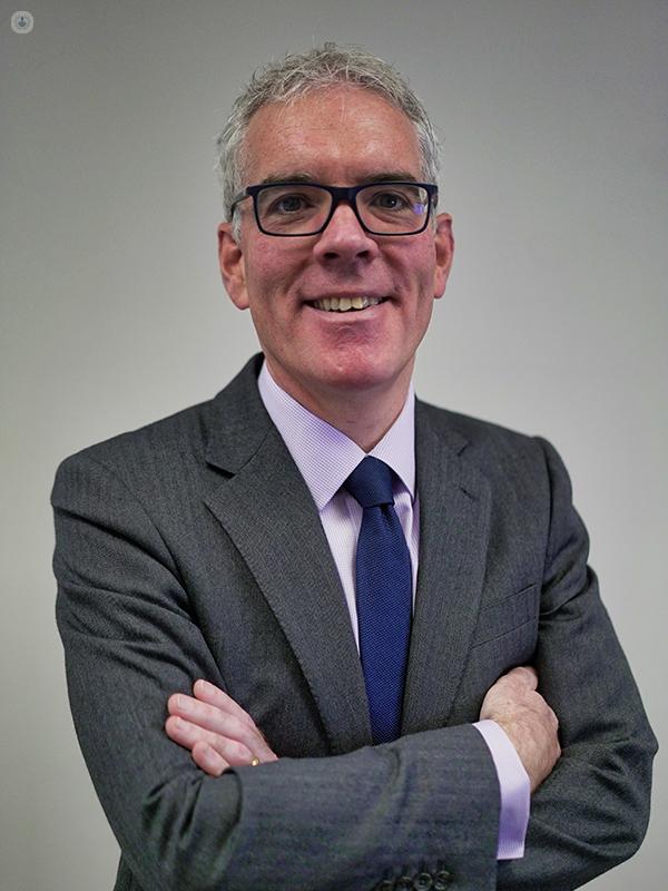 Simon Bott -Consultant Urologist