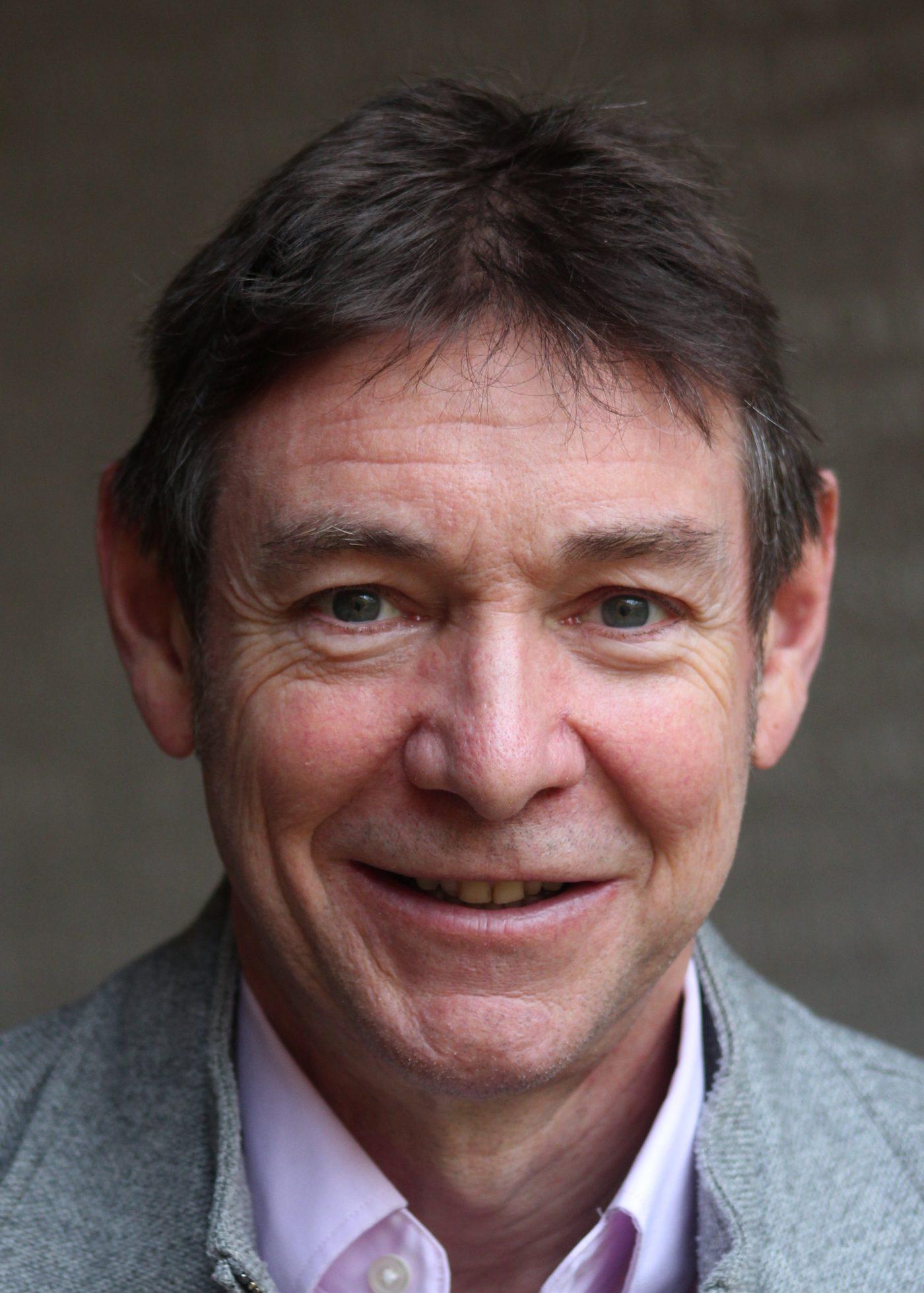 Mr Simon Brewster